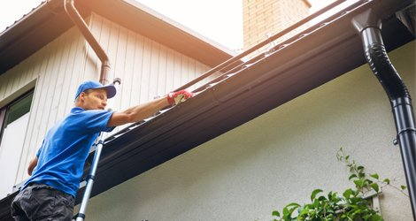 Why Should You Never Clean Your Gutters On Your Own?